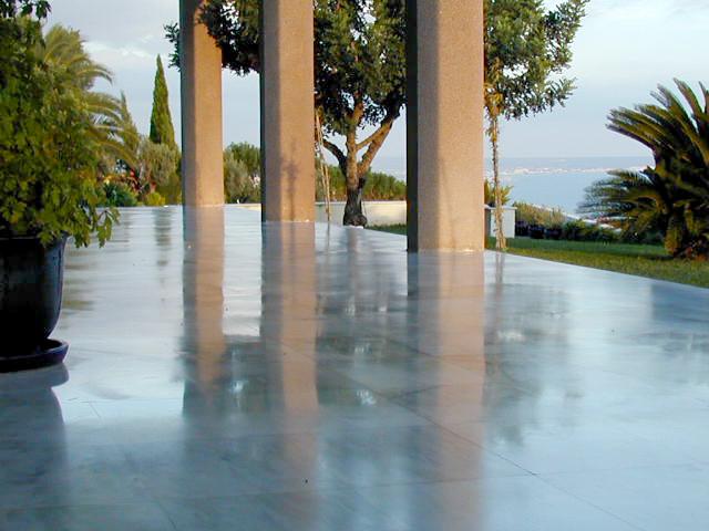 Weißer Marmor Terrassen